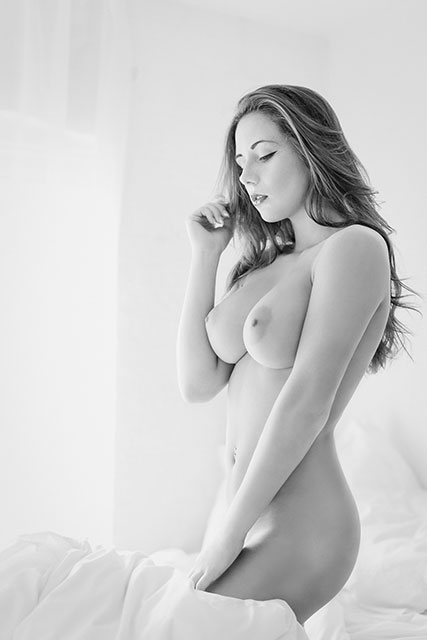 Nude Boudoir Play By Social Network Rules for nudity Fabiana Carlo Nicora fabyandcarlo.com