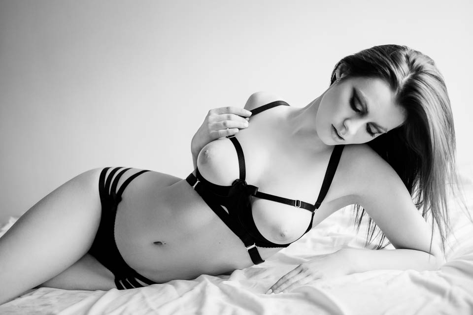 being photogenic by Faby and Carlo at London boudoir photography