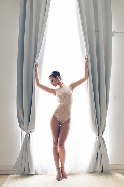 Advice on tan skin by Faby and Carlo at London boudoir photography