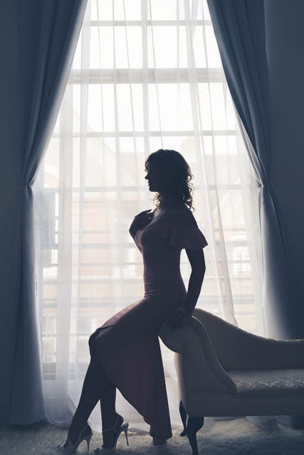 How to stay confident during a boudoir session, by Faby and Carlo